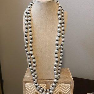 Multi look long strand of pearls